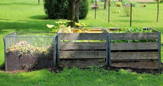 Compost-bins-from-pallet
