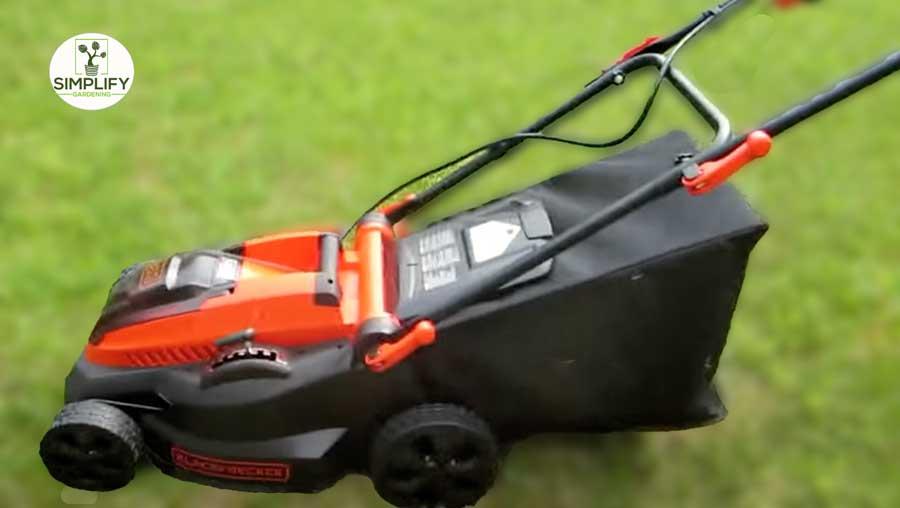 BLACK+DECKER CM1640 40V MAX Cordless Lawn Mower